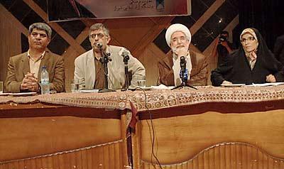 عکس: هنگامه شهیدی در کنار مهدی کروبی و غلامحسین کرباسچی